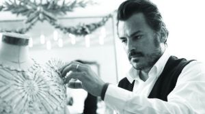 Oscar Carvallo diseñador de moda venezolano. Fotografía: Francisco Gómez Gasperi